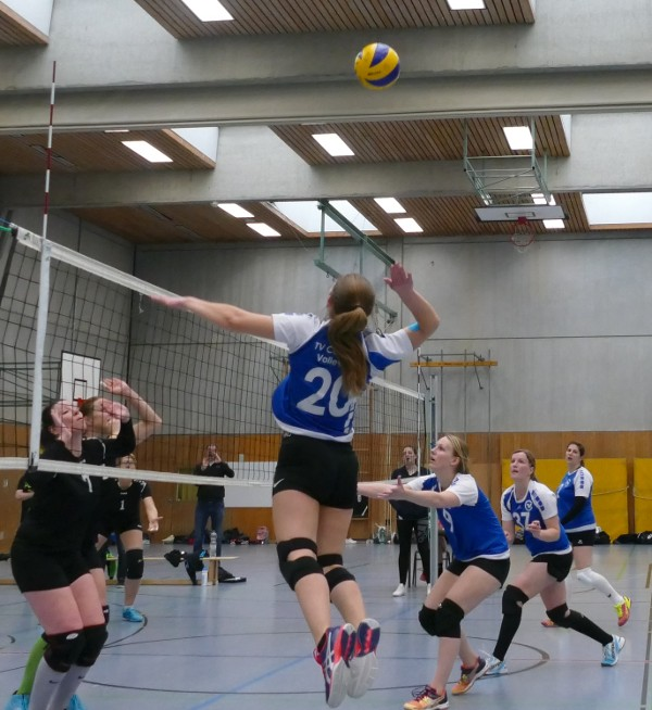 Damen2 Volleyball Angriff